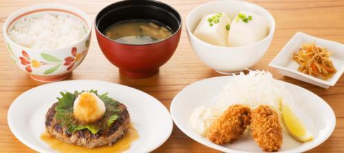 おろしハンバーグと牡蠣フライ膳(選べる小鉢つき).png