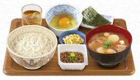 とん汁・納豆朝食.jpg