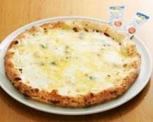 サルバトーレ 4種のチーズのピッツァ.jpg