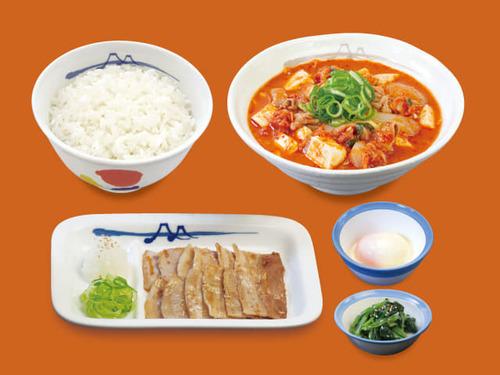 チゲ豚カルビ焼膳 半熟玉子.jpg