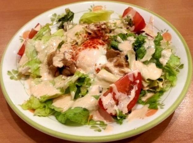 半熟卵とポークのサラダ.jpg