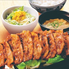 焼き牛定食.jpg