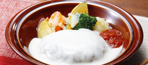 焼き野菜のチーズソースハンバーグ.png